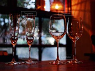 グラスを並べての写真・画像素材[1633950]