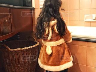 トナカイ衣装の女の子の写真・画像素材[1689383]