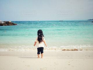 海に釘付けの写真・画像素材[2262768]