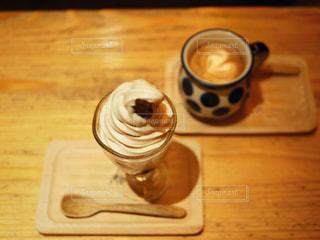 コーヒーソフトとカフェラテの写真・画像素材[2394409]