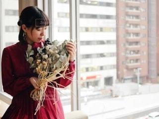 花と女性の写真・画像素材[2746985]