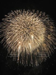 空,夏,夜,夜空,花火,花火大会,光,キラキラ,なつ,夏祭り,三尺玉,web素材
