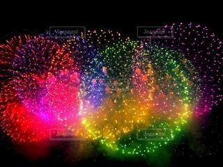 空,夏,夜空,カラフル,花火,花火大会,光,キラキラ,なつ,夏祭り,web素材