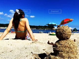海,夏,ビーチ,青空,水着,日焼け,女の子,ポニーテール,白浜,海と雪だるま