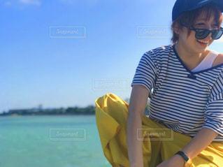 ボートの上に座って人の写真・画像素材[1285654]