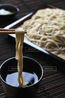 スープとスプーンのボウルの写真・画像素材[787698]