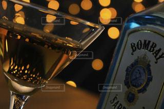 近くにワインのグラスのの写真・画像素材[917858]