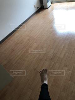 木製の床と建物の写真・画像素材[1170816]