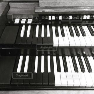 近くにピアノのの写真・画像素材[802516]