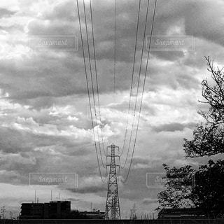 鉄塔と電線の写真・画像素材[827830]