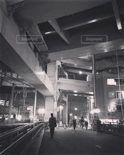 夜の横浜駅すぐそばの写真・画像素材[827853]