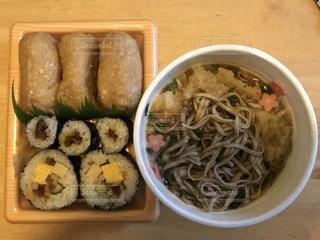 そば,寿司,太巻き,海苔,いなり,太い,油揚げ