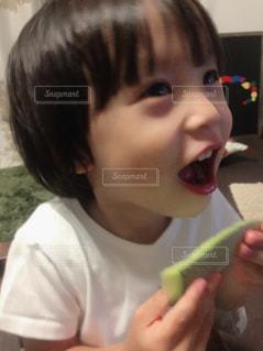 食事,子供,楽しい,デザート,フルーツ,笑顔,メロン,幸せ,おいしい,ごちそうさま,男の子,グルメ,笑,完食,3歳