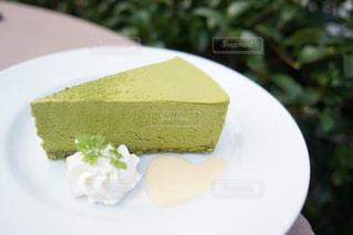皿の上のケーキの一部 - No.867870
