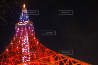 夜のライトアップされた橋の写真・画像素材[1014189]