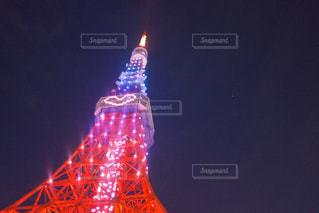 夜ライトアップ東京タワーの写真・画像素材[1068214]