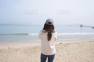 女性,海,後ろ姿,砂浜,人,福岡,糸島,ピーチ
