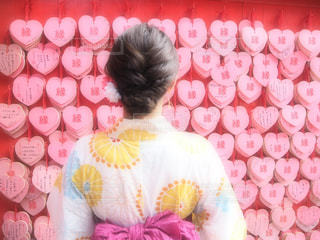 女性,ピンク,後ろ姿,人,浴衣,絵馬,名古屋,縁結びの神,ハートの絵馬