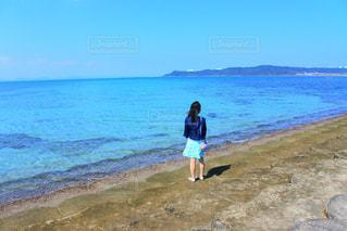 海辺の散歩の写真・画像素材[2100741]