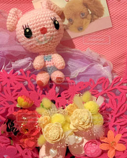 テーブルの上のお花の写真・画像素材[843607]