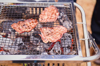 バーベキュー お肉が食べ頃の写真・画像素材[1229188]