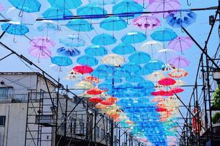 風景,空,春,夏,街並み,雨,傘,屋外,カラフル,アート,背景,イベント,あめ,梅雨,天気,色,作品,スカイ,彩り,アンブレラ,umbrella,インスタ映え,傘アート