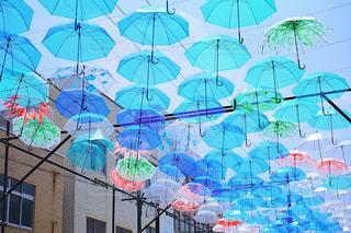 風景,空,街並み,雨,傘,屋外,カラフル,Instagram,鮮やか,背景,イベント,梅雨,天気,作品,art,彩り,複数,アンブレラ,umbrella,町興し,インスタ映え,傘アート