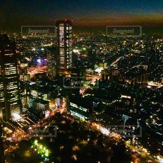 夜の街の景色の写真・画像素材[1021808]