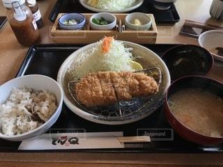 とんQで赤城豚ロースカツ定食( ・(OO)・ )美味しかった😋の写真・画像素材[758980]