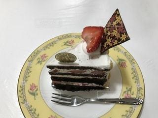 食べ物,いちご,フォーク,テーブル,フルーツ,果物,皿,チョコレート,くだもの,イチゴ,シュートケーキ