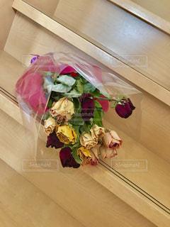 インテリア,花,夏,階段,花束,暑い,バラ,ドライフラワー,薔薇,乾燥,ラッピング,多色