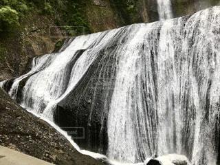 大きな滝と水しぶきと音に感動しました。の写真・画像素材[1492170]
