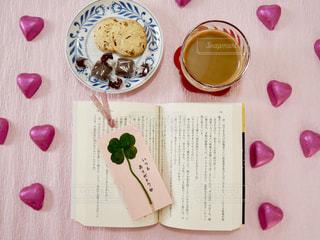 ピンク,植物,かわいい,本,読書,ハート,クローバー,クッキー,可愛い,ハンドメイド,カフェオレ,ブタ,手作り,多肉植物,四つ葉のクローバー,おしゃれ,ぶた,しおり,フォトジェニック,ファンシー,栞