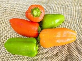 食べ物,食事,赤,カラフル,オレンジ,野菜,食品,ピーマン,食材,パプリカ,フレッシュ,緑色,ベジタブル,配置,多色