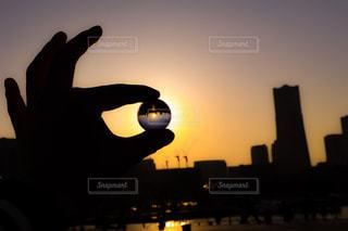 空,夕日,夕暮れ,ガラス玉,一眼レフ,水晶玉