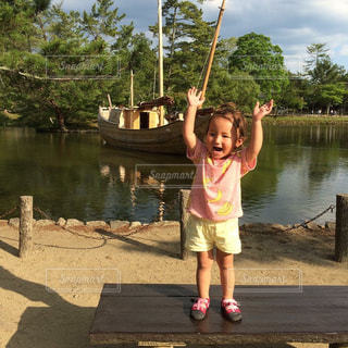 バンザイ,子供,笑顔,日本,奈良,ジェスチャー