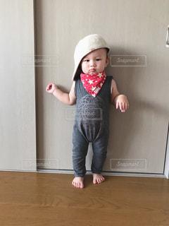 帽子をかぶった小さな女の子 - No.888614