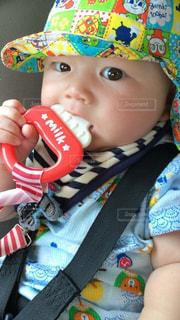 帽子をかぶった赤ちゃんの写真・画像素材[888636]