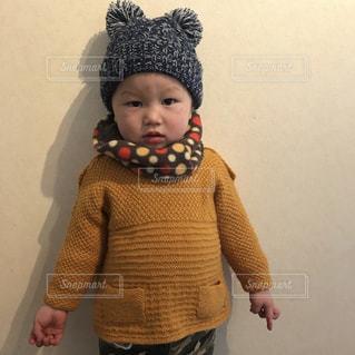 帽子をかぶった小さな男の子の写真・画像素材[1068264]