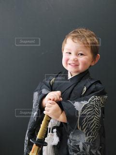 少年野球バットを握るの写真・画像素材[1686398]