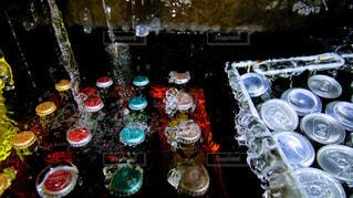 ワイングラスを持つテーブルの写真・画像素材[928166]
