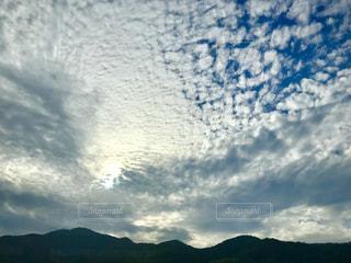 秋,雲,車窓,うろこ雲,秋空,高速バス