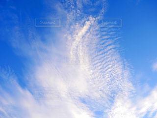 青空の雲の写真・画像素材[2440377]