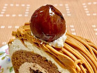 栗のロールケーキの写真・画像素材[3823314]