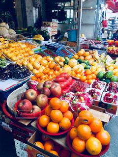 フルーツ,果物,市場,韓国,果物屋さん,韓国の市場,よく見たら見慣れない物が