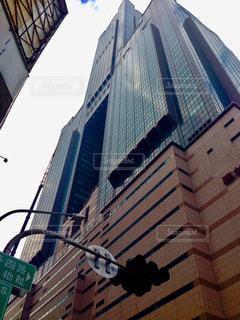 高雄85大楼を下から見ると?!の写真・画像素材[925641]