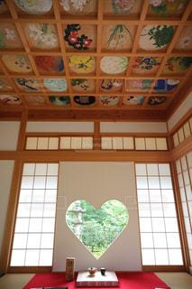 京都,窓,ハート,寺社,マーク,フォトジェニック,正寿院,猪目窓