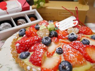 皿の上のケーキのスライスの写真・画像素材[840460]