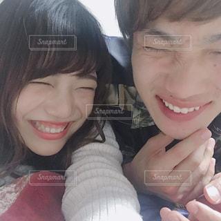 男と女の selfie を取っての写真・画像素材[1170463]