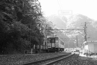 鋼のトラックの列車 - No.814918